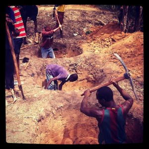 Some-community-members-digging-pit-for-toilet-at-Apau-Wawase